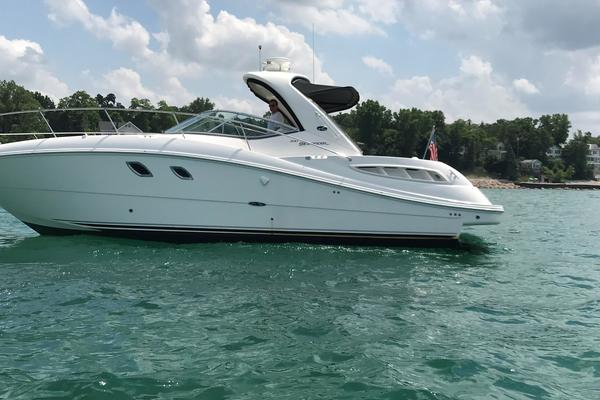 33' Sea Ray 330 Sundancer 2008 |