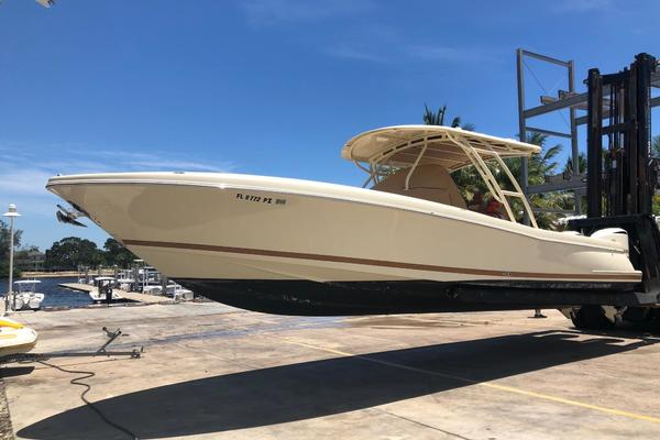 Picture Of: 34' Chris-Craft Catalina 34 2016 Yacht For Sale   3 of 15