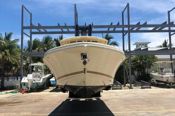 Picture Of: 34' Chris-Craft Catalina 34 2016 Yacht For Sale   4 of 15