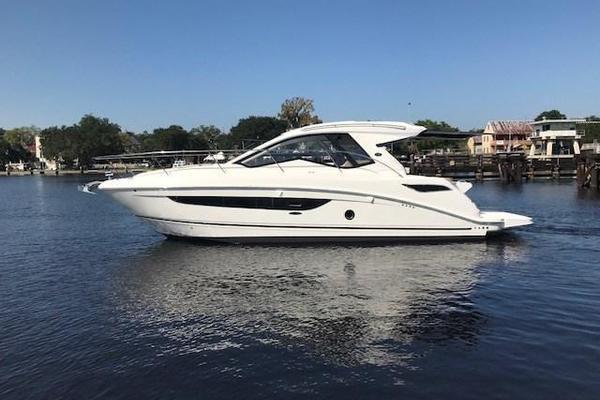 2018 Sea Ray 350 Coupe