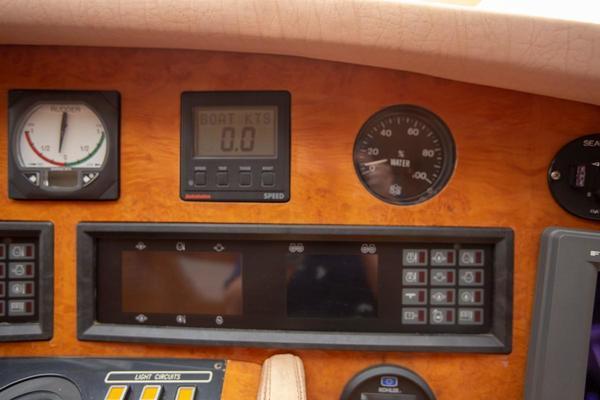 1996 Azimut 78' 78 Ultra Motoryacht Neama   Picture 7 of 36