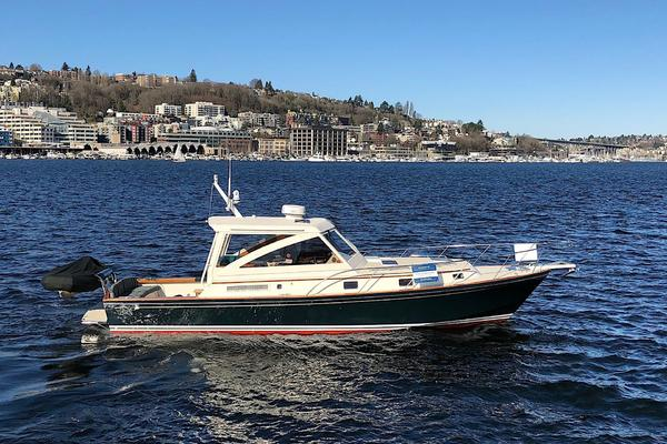 38' Little Harbor 38 WHISPERJET 2001 | HAT TRICK