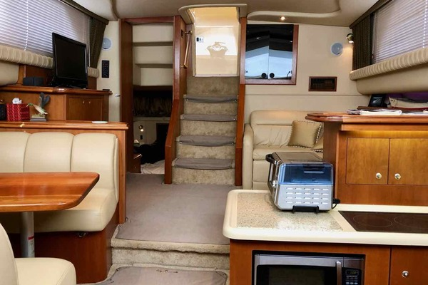 2003Cruisers Yachts 37 ft 3750   Decisions