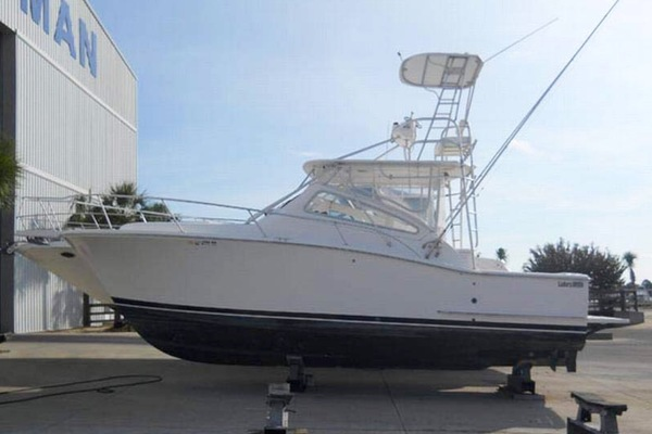 34' Luhrs 30 Open 2004 | Sharky