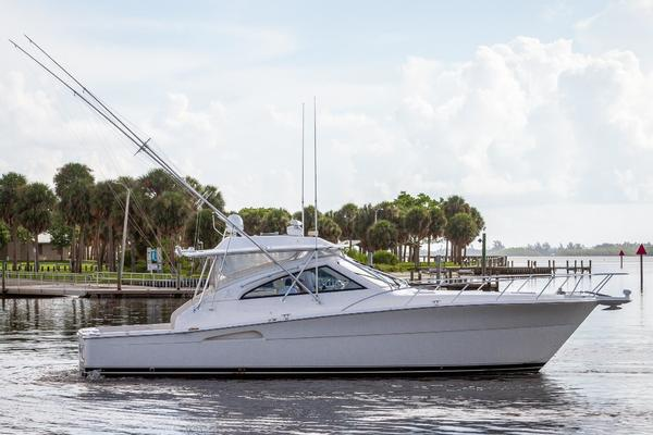43' Riviera 43 Offshore Express 2009 | Pain Killer