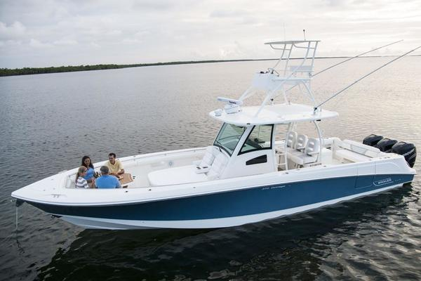 Boston Whaler 37' 370 Outrage 2014