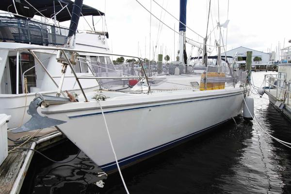 Catalina 42 ft 3 Cabin Sloop