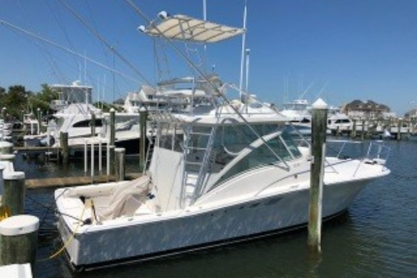32' Luhrs 32 Express 2003   Chasin Lures
