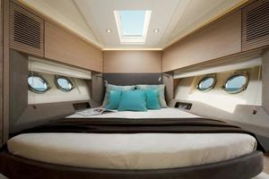 50' Monte Carlo MC5S 2018 VIP Guest Stateroom