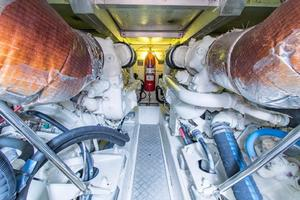 60' Viking Sport Cruiser VSC60 2001 ENGINE ROOM