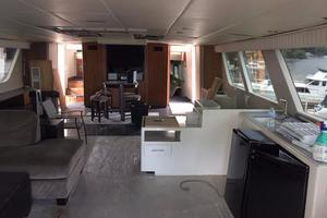 91' Broward Raised Bridge Motor Yacht 1981 MAIN SALON