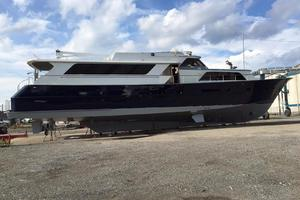 91' Broward Raised Bridge Motor Yacht 1981 PROFILE