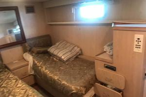 91' Broward Raised Bridge Motor Yacht 1981 PORT GUEST STATEROOM