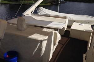 56' Hatteras Motoryacht 1983 Flybridge
