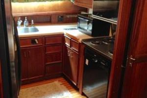 56' Hatteras Motoryacht 1983 Galley