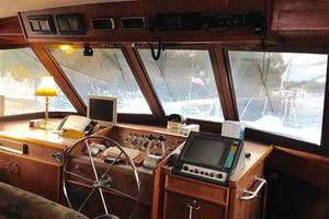 56' Hatteras Motoryacht 1983 Lower Helm