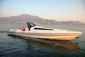 46' Pirelli PZero 1400 Cabin 2018 Starboard Profile