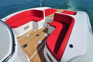 46' Pirelli PZero 1400 Cabin 2018 Facing Aft - Seating