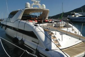 80' Mangusta 80 2003 Stern Port Profile