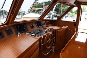 53' DeFever 53 POC 1987 Pilot house