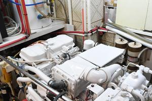 53' DeFever 53 POC 1987 Engine Room