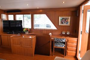 53' DeFever 53 POC 1987 Salon/Desk