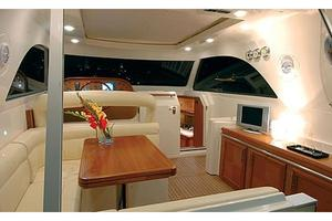 44' Mochi Craft 44 Dolphin 2007 Manufacturer Provided Image: Saloon