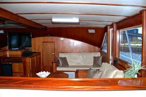 74' Infinity Cockpit Motor Yacht 2001 Salon View 2