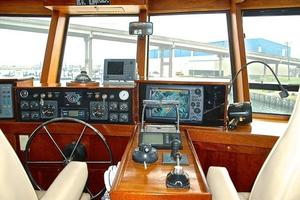 74' Infinity Cockpit Motor Yacht 2001 Pilothouse Helm View 4