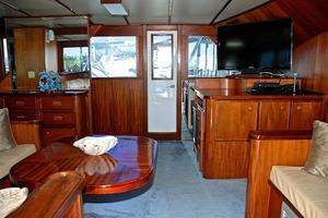 74' Infinity Cockpit Motor Yacht 2001 Salon View 3