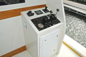 74' Infinity Cockpit Motor Yacht 2001 Aft Docking Station