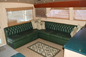 60' Bertram Convertible 1991 Salon Sofa
