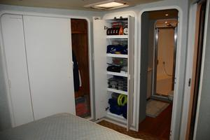 60' Bertram Convertible 1991 Master Closets