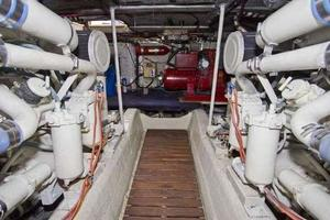 48' Ocean Super Sport 1988 Engine Room