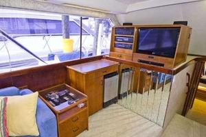 48' Ocean Super Sport 1988 Salon TV