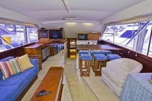 48' Ocean Super Sport 1988 Salon Forward