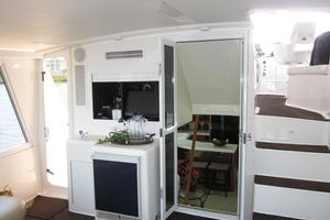 60' Viking 60 Cockpit Sport Yacht 2000 Aft Deck - Wet Bar