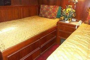 61' Hatteras Cockpit Motor Yacht 1981 VIP Stateroom