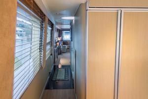 98' Westport/westship Cpmy 1992 MAIN DECK