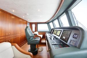 121' Van der Valk Explorer 37M 2019