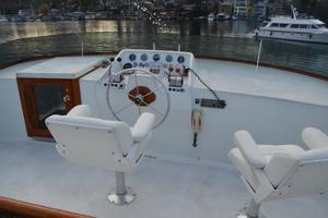 85' Monk McQueen 1987 Flybridge Helm