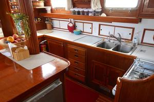 57' Wellington Pilothouse 1989 Galley