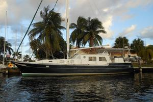 57' Wellington Pilothouse 1989 57' Wellington profile