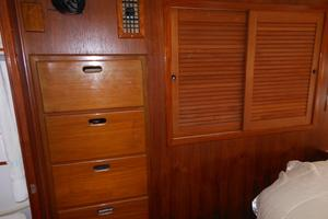 57' Wellington Pilothouse 1989 Cedar hanging lockers - drawers star.