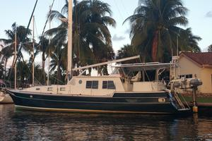 57' Wellington Pilothouse 1989 57' Wellington with swim platform