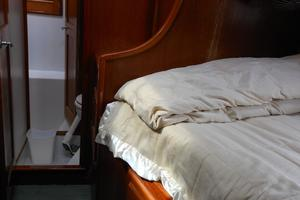 57' Wellington Pilothouse 1989 Starboard guest stateroom with folding bunk above