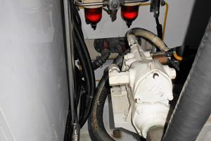 58' Symbol 58 Pilothouse 2006 20 KW Northern Lights generator