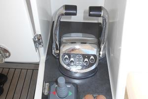 58' Symbol 58 Pilothouse 2006 Cockpit controls