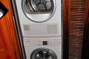 58' Symbol 58 Pilothouse 2006 Bosch Washer Dryer - 2011