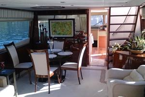 68' Lazzara 68 Pilothouse Motoryacht 2005 Main salon fwd